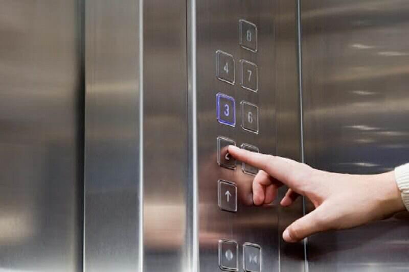 در زمان قطع برق در آسانسور چه کنیم؟